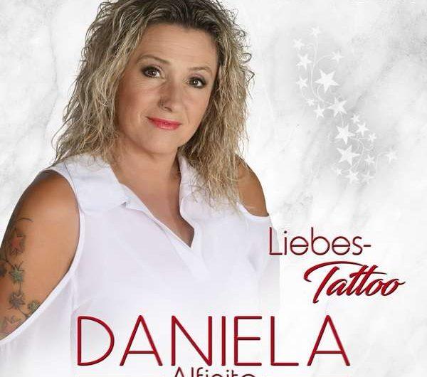 Daniela Alfinito: Liebes-Tattoo [*]